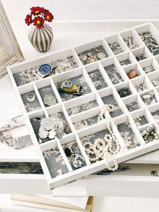 diy-jewelry-storage-ideas-drawer-sections